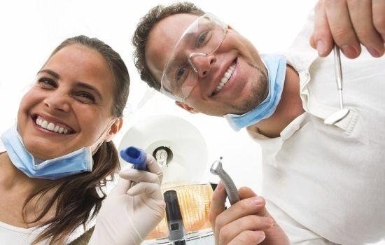 9 февраля – Международный день стоматолога. Стоматологи готовы к использованию цифровых технологий - http://vipmodnica.ru/9-fevralya-mezhdunarodnyj-den-stomatologa-stomatologi-gotovy-k-ispolzovaniyu-tsifrovyh-tehnologij/