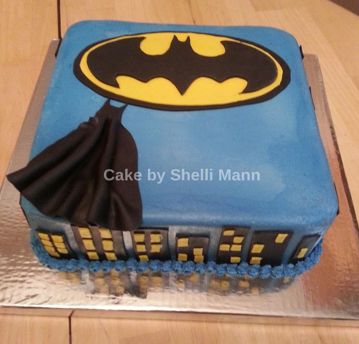 batman groom's cake - Edited with LunaPic: http://lunapic.com/ This is a buttercream batman groom's cake.  It has fondant accents.