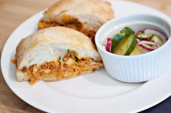 Sandwich de pollo con salsa barbacoa