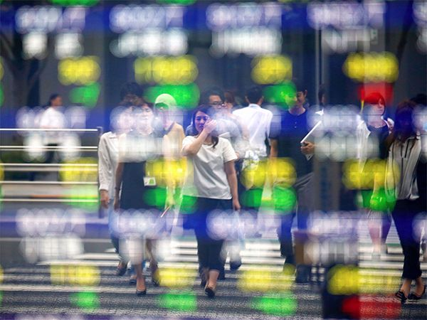 Asia shares near one-year top, await China trade data, ECB - The Economic Times