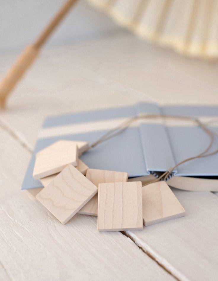Loiske necklace