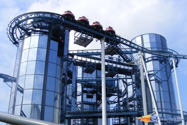 6/13 | Photo du Roller Coaster Euro Mir situé à @Europa-Park (Rust) (Allemagne). Plus d'information sur notre site http://www.e-coasters.com !! Tous les meilleurs Parcs d'Attractions sur un seul site web !! Découvrez également notre vidéo embarquée à cette adresse : http://youtu.be/wEM_IozURDg