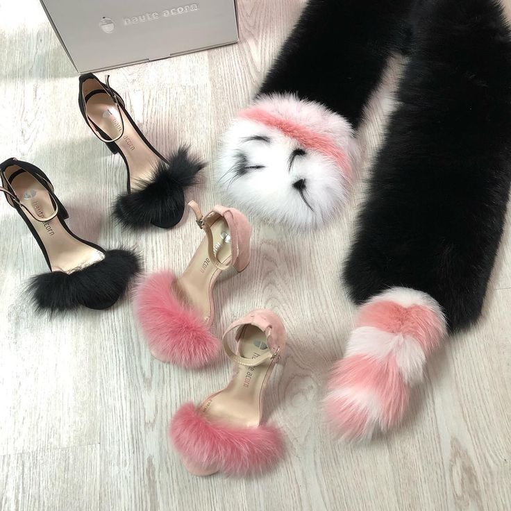 Stay Real ✖️  Fur Heels On Sale!!!  👉🏻 hauteacorn.com .  .  .  #furheels #realfur #fur #furshoes #fluffyshoes #furslides #heels #furcollar #furscarf #style #fashion #essentials