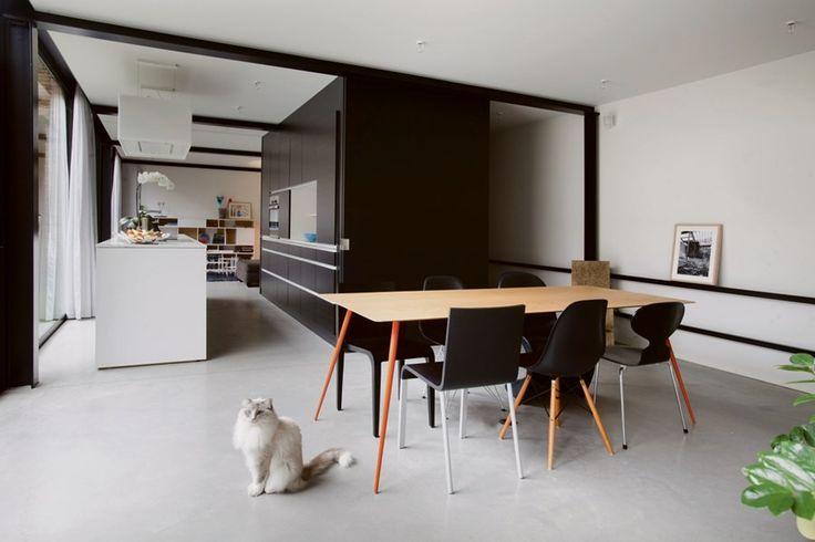 Standaard Keuken Nieuwbouw : BINNENKIJKEN. Nieuwbouw in een voormalige Brugse loods – De Standaard