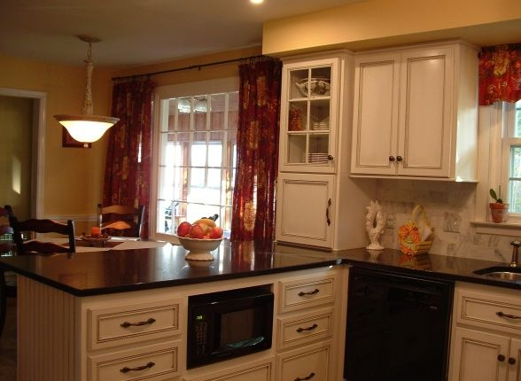 Small u shaped Kitchen Layout Plans | Update To Small French Country U-Shape - Kitchen Designs - Decorating ...