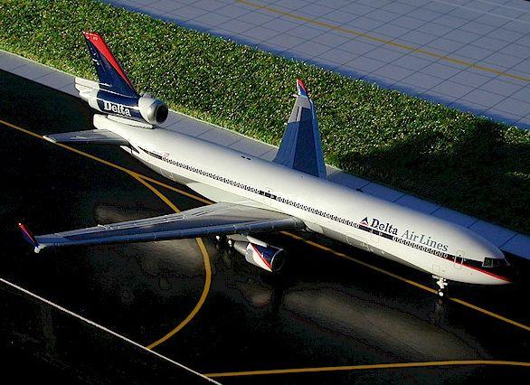 "1/400 GeminiJets Delta Airlines ""Interim"" McDonnell Douglas MD-11"