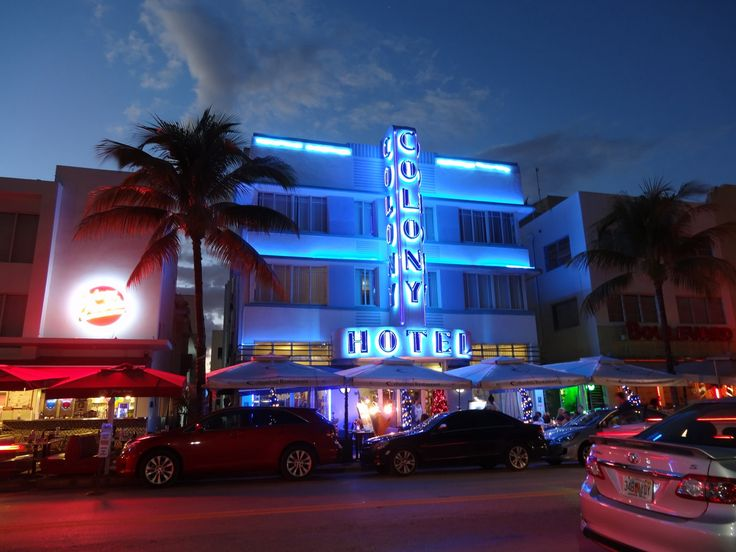 MIAMI South Beach Kalender 2017. Ocean Drive by Night, COLONY Hotel
