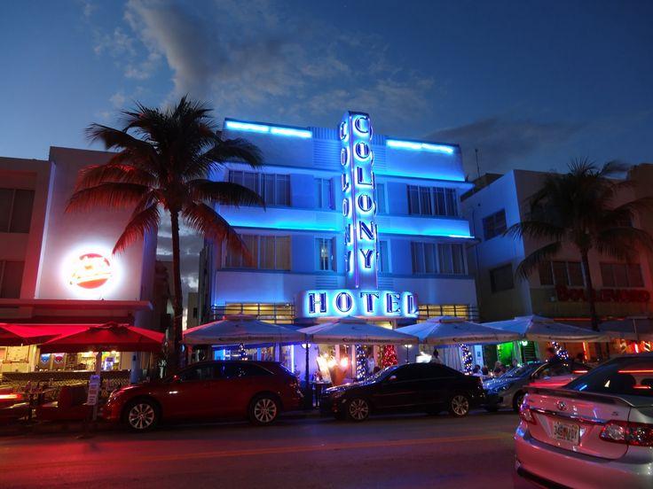 MIAMI South Beach Kalender 2017. Ocean Drive by Night, COLONY Hotel