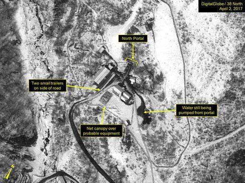 豊渓里の核実験場を捉えた衛星画像(4月2日)