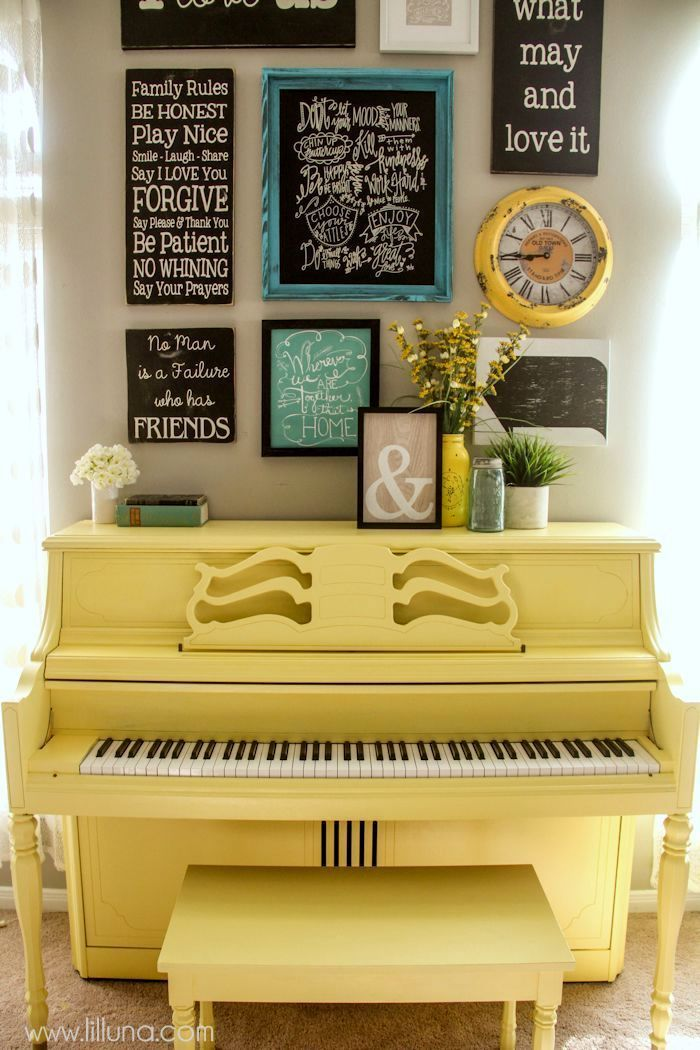 How to paint your piano - it's easier than you think! Tutorial on { lilluna.com }