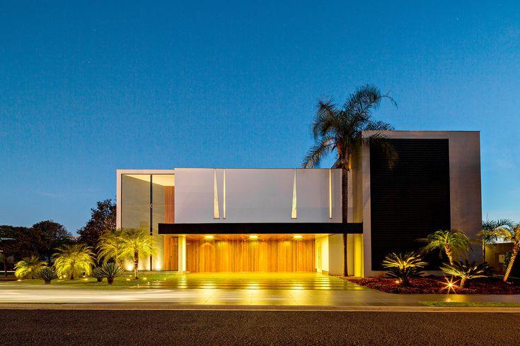 Jabuticaba House,© R.R.Rufino