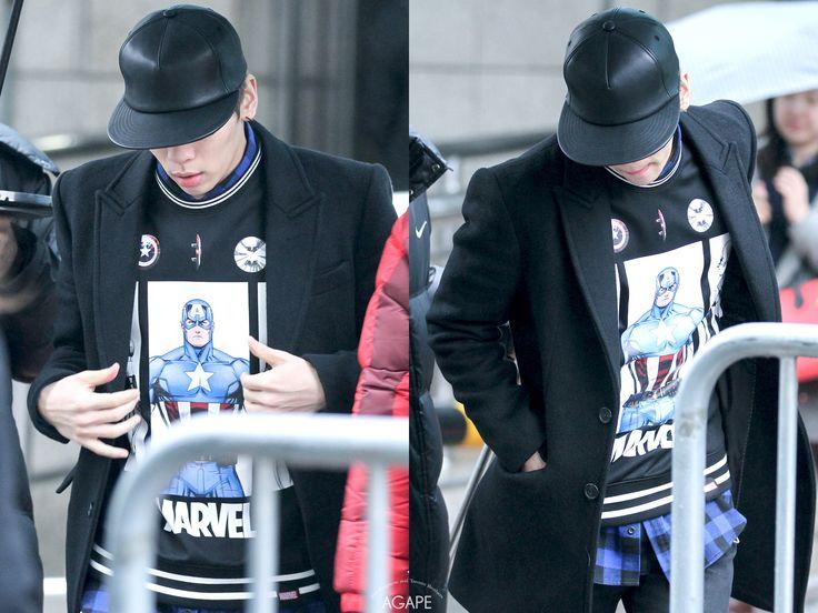 150116 Jonghyun по пути на Music Bank Full:http://i.imgur.com/6ylBPlp.jpg