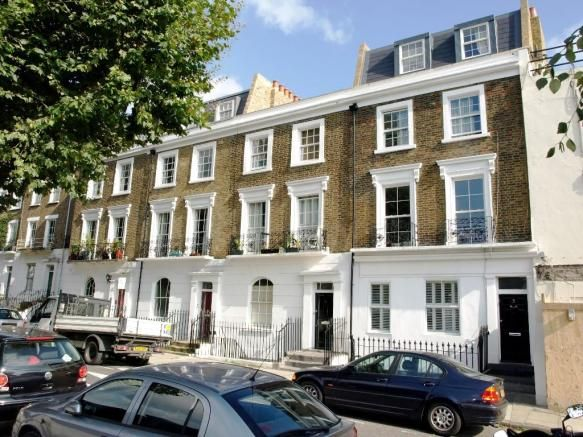 Funky 3 Bed Flat in Camden London to Let £800pw. Uber Cool. http://thamespropertymanagement.com/property-of-the-week/2828954