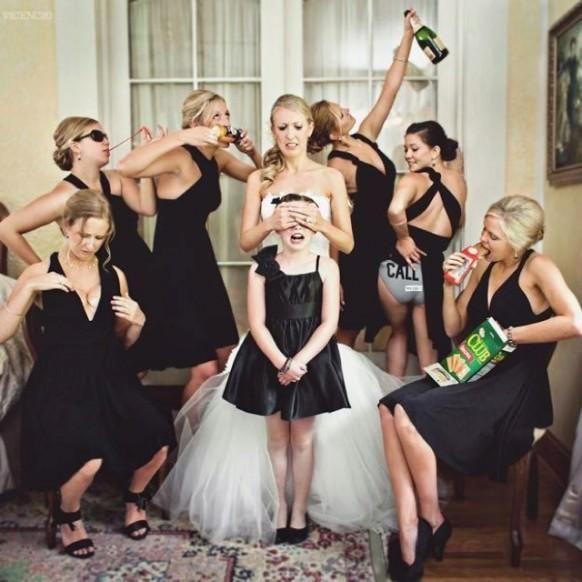 Weddbook ♥ what a great shot! Creative wedding photos. Unique wedding picture ideas. Bridesmaids photo ideas. Funny wedding photo ideas. black bridesmaid