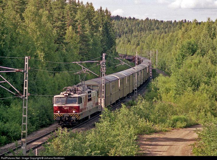 RailPictures.Net Photo: 3015 Finnish Railways Novotserkassk Sr1 at Jyväskylä, Finland by Juhana Konttinen