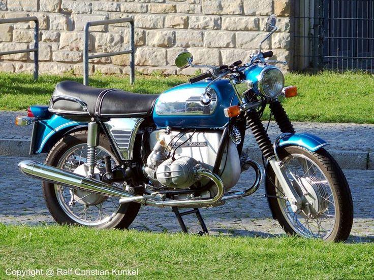 BMW R 75/5 - Motorrad - Bauzeit 1969-1973 - techn. Daten: Hubraum 750 cm³, 37 kW (50 PS), 195 kg, 175 km/h - fotografiert am 03.09.2011 zur 13. OMMMA in Magdeburg - Copyright @ Ralf Christian Kunkel