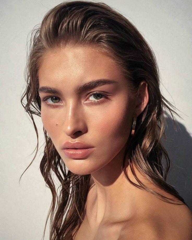 Glowy Make Up 2017 | StolenInspiration.com