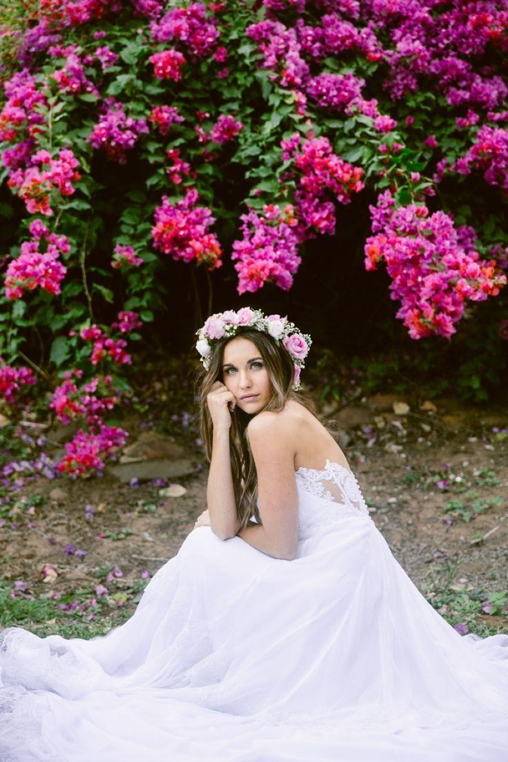 Wedding Style. Dress: Julia Ferrandi Photo: Lad & Lass