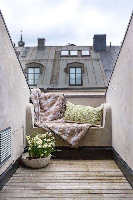 Would love to re-create this cosy corner in Paris! #FADSSpringRestyle
