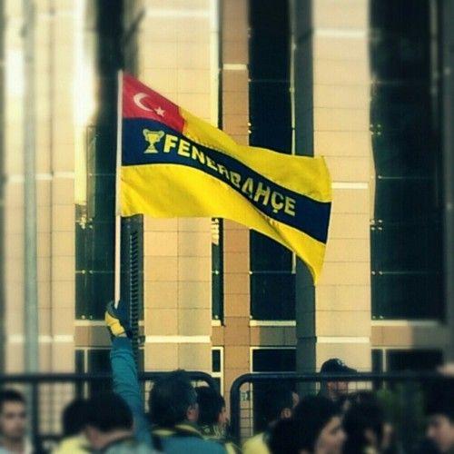 Bu bayrak asla düşmeyecek Fenerbahçe
