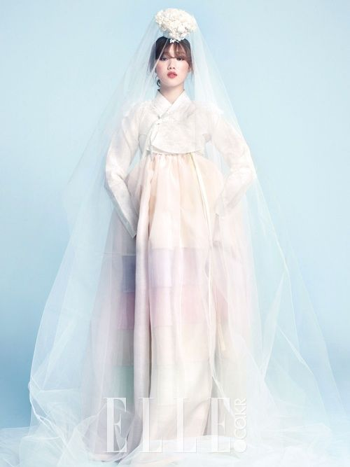 #hanbok #wedding #dress #veil #bride #korea #fashion #modern #classic