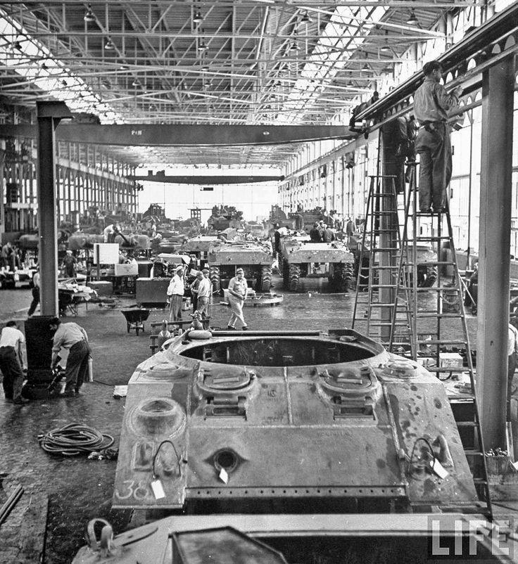 vintage industry plants | Time Capsule: Vintage Detroit Car Maker World War II Production Photos ...