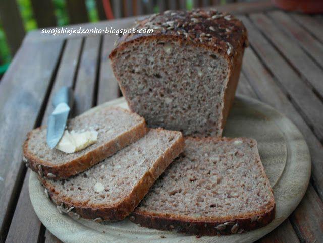 Swojskie jedzonko: Chleb orkiszowy ze słonecznikiem i orzechami
