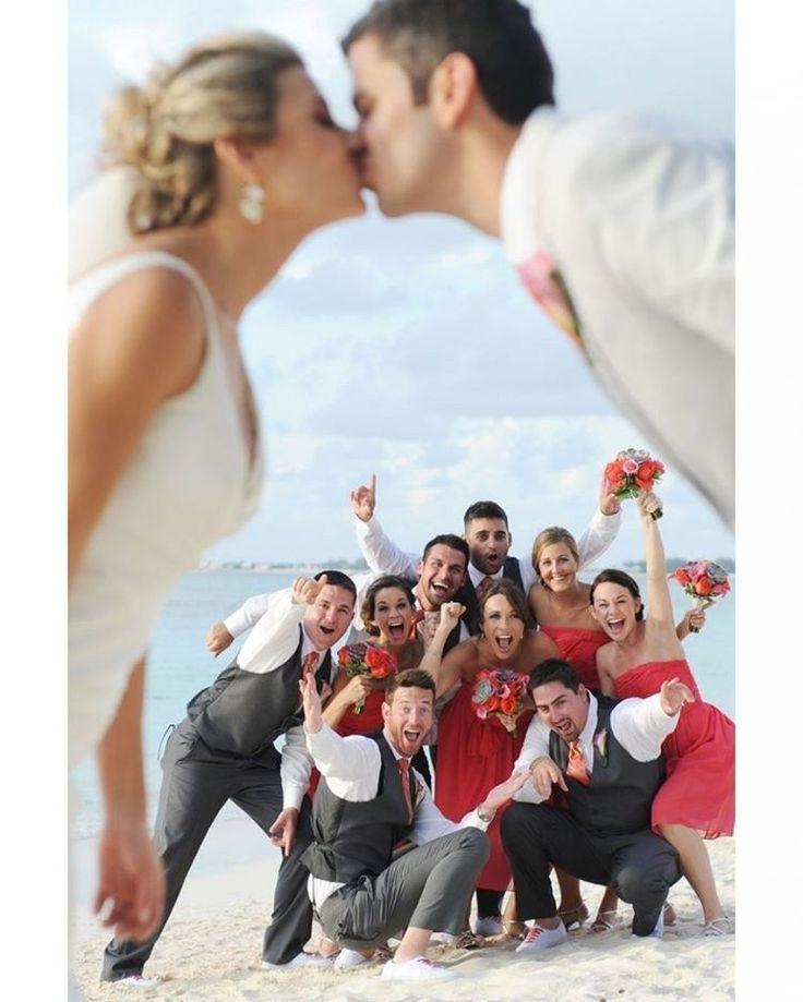 �� ��  Sugestão para quem vai casar na #praia!  #casar #Casamento #noiva #igreja #acessoriosparanoivas #vestidodenoiva #Diadanoiva #amor #love #noivinha #paixão #noivafeliz #voucasar #boanoite #noivadoano #noiva2017 #casamento2017 #daminha #madrinha #wedding #Bride #Bridetobe #noivas #gratidão #happy #cabelo #penteadodenoiva #tiara #casamentonapraia http://gelinshop.com/ipost/1522130286665971738/?code=BUfsW5elrga