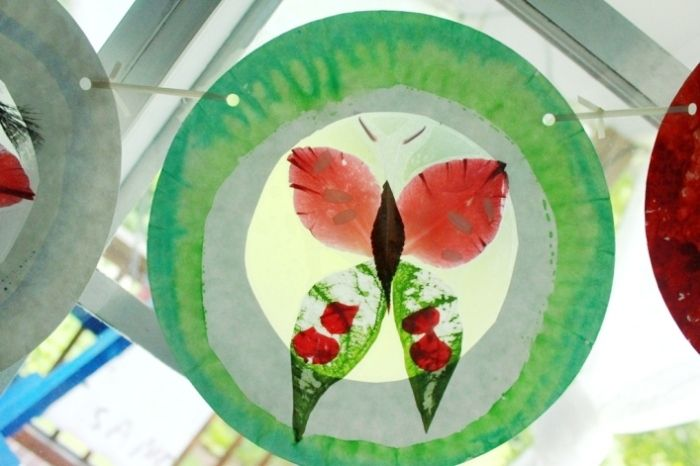 17 mejores im genes sobre stained glass and suncatchers for Suncatcher craft for kids