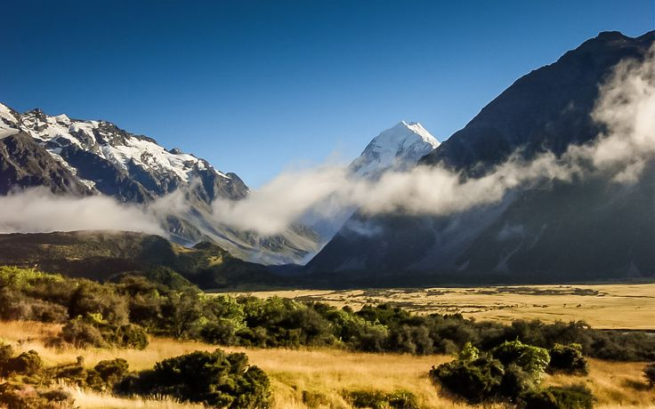 Itinerary (13-days): New Zealand, South Island .. Looking to get out of the grind for a couple of weeks? Get your flow back in this scenic adrenaline central. Take a walk on the South side ..