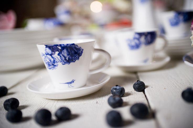Månses Design porslin med blåbär...
