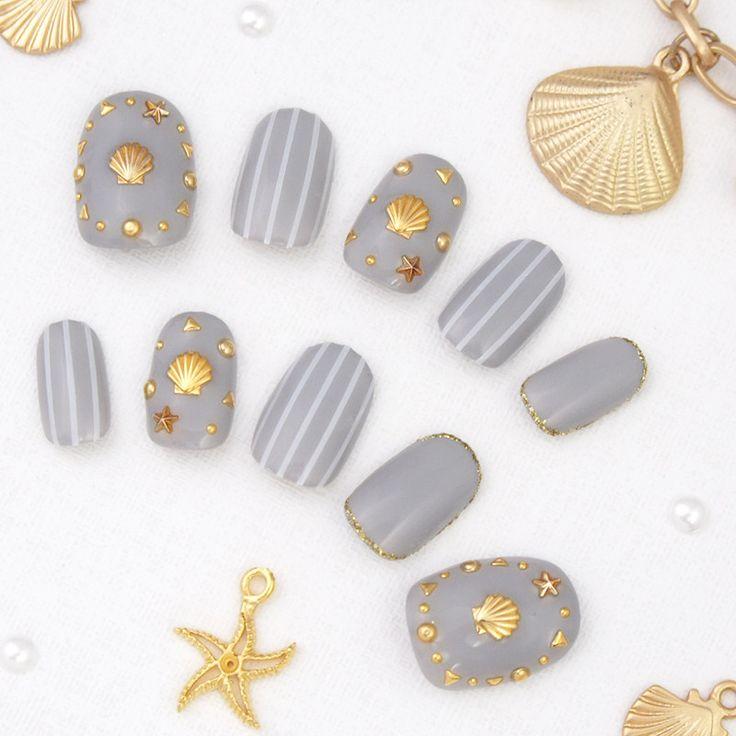 グレー貝殻ストライプネイル