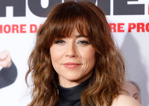 Dead To Me Linda Cardellini To Play Christina Applegate S New Bff