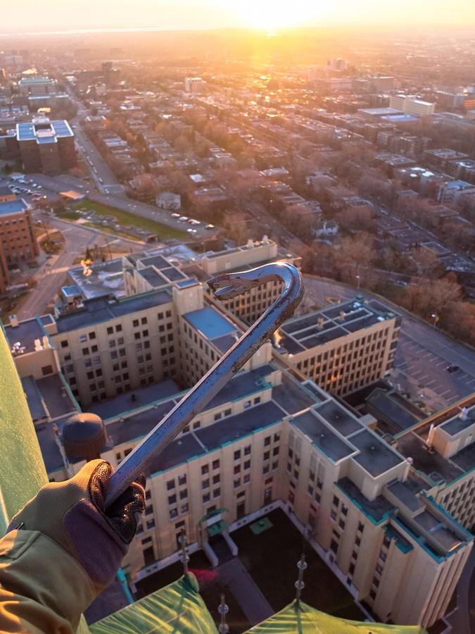 Conquering the cupola of Universite De Montreal.
