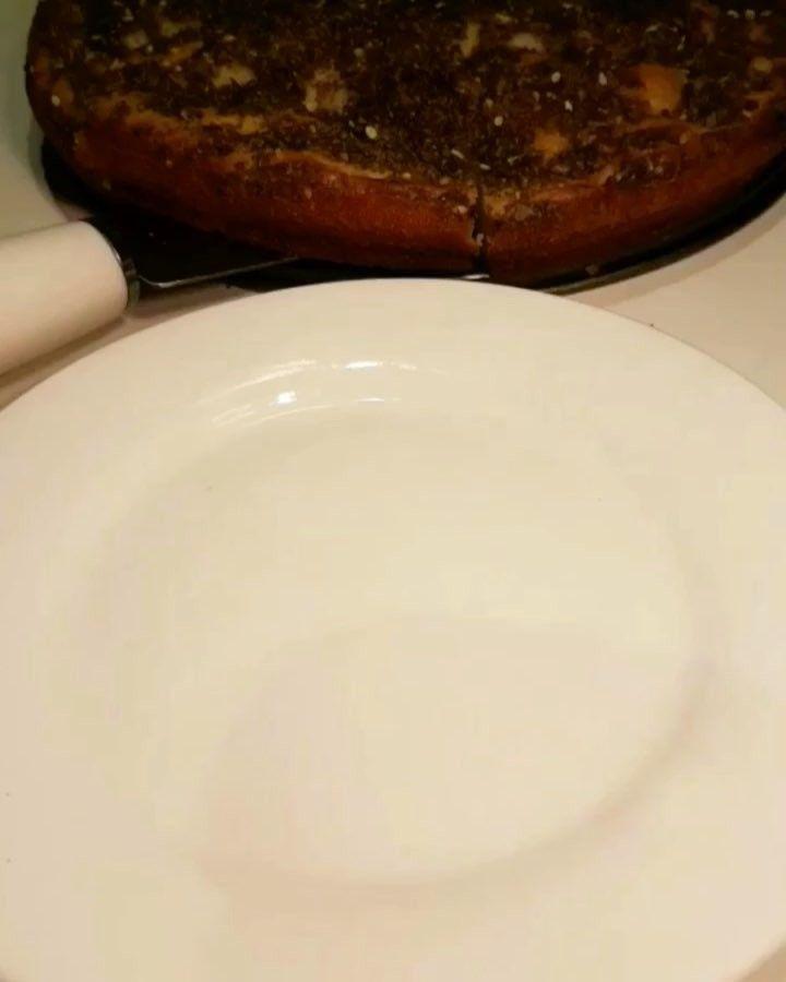 إبداع خووخه الحضرمية On Instagram اللهم انا نسألك من فضلك العظيم ولعيونكم ياحبايب قلبي كيكة الزعتر الطريقه في زبديه اضيف Yummy Food Food Yummy