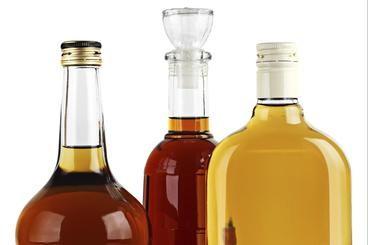 Come fare il liquore alle nespole - Guide di Cucina