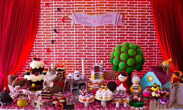Decoração festa de aniversário infantil O Chapeuzinho Vermelho e o Lobo Mau