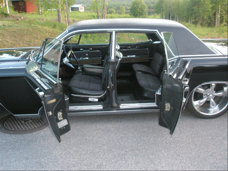 1966 lincoln continental detail suicide doors not. Black Bedroom Furniture Sets. Home Design Ideas