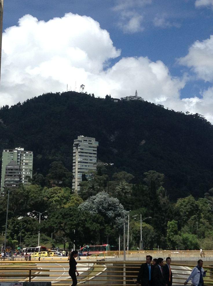 dándole la cara a los cerros de mi bella ciudad