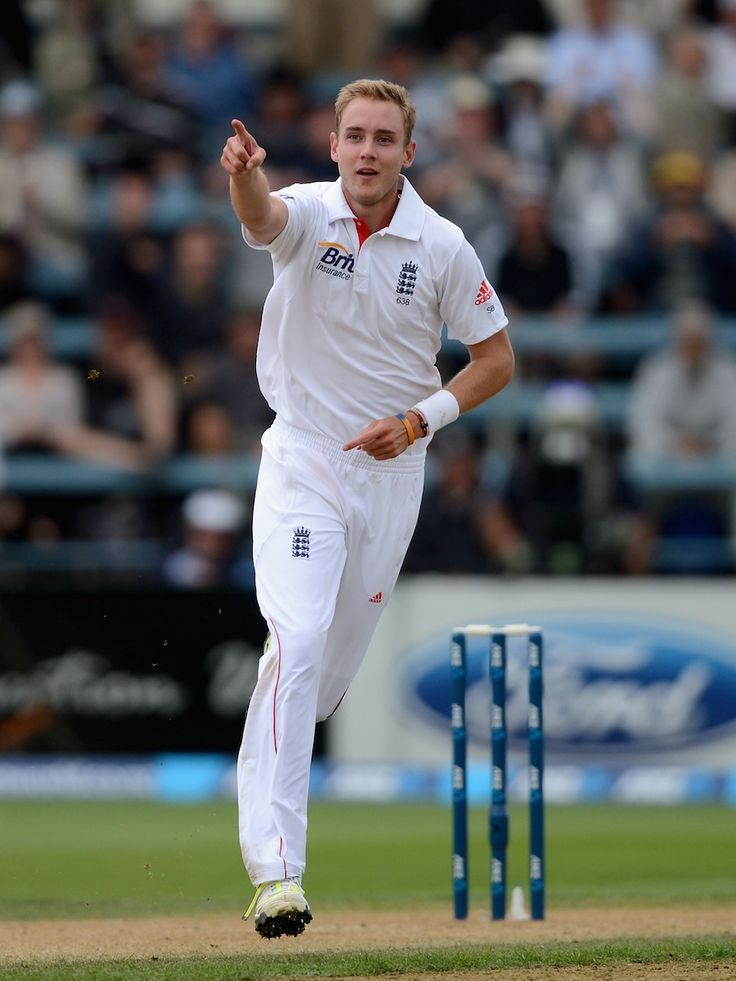 Stuart Broad (Eng) take 6 wickets, celebrates the wicket of Ross Taylor, vs New Zealand, 2nd Test, Wellington, 2nd day, March 15, 2013