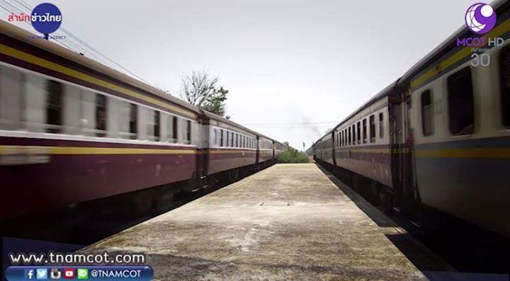 """รถไฟชนรถบสสรางความสญเสยใหญหลวง #คยโขมงขาวเชา พรงน (7 เม.ย.) ยกรายการไปสดทสถานรถไฟงวราย นครปฐม เตอนสตเดนทางทงทางรถไฟ และการใชรถใชถนนในชวงสงกรานต """"สวช สทธประภา-ภรภทร นลพธน"""" นำทม เรม 05.30-07.15 น. ชอง 9 MCOT HD เลข 30 ตดตามขาวสารทนสถานการณไดท www.tnamcot.com #TNAMCOT #06Apr2016 #ThaiNewsAgency #McotXpress #MCOT #MCOTHD #CH9 #ModernineTV #สำนกขาวไทย #คยโขมงขาวเชา #สถานรถไฟงวราย #นครปฐม ตดตามสำนกขาวไทย อสมท ไดท  http://bit.ly/1MIhSFU  http://www.twitter.com/tnamcot  //instagram.com/tnamcot…"""