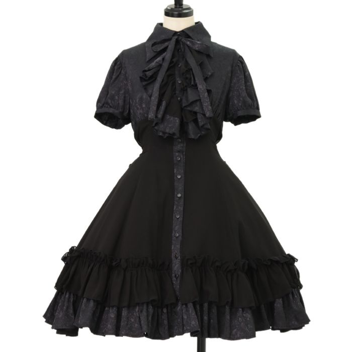 ♥ ATELIER BOZ ♥ It rose pattern dress http://www.wunderwelt.jp/products/detail8932.html If you like this item please check this page ♡ #gothiclolita