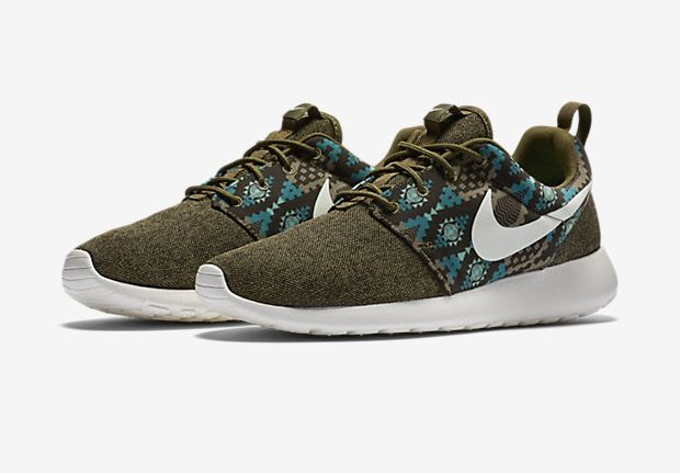 Nike Rosherun Sneakers Dark Loden White