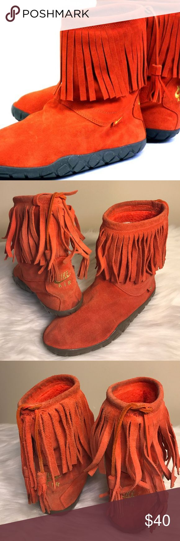 NIKE AIR ROSHE RUN TASSELS WOMENS BOOT Worn areas & has a stain on the front left Boot, as shown in photos. Very warm & nice tho Nike Shoes Winter & Rain Boots