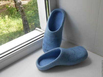 Купить или заказать женские тапочки в интернет-магазине на Ярмарке Мастеров. тапочки без пятки, два цвета бледно васильковый с вкраплениями темно синего, мягкие, легкие.