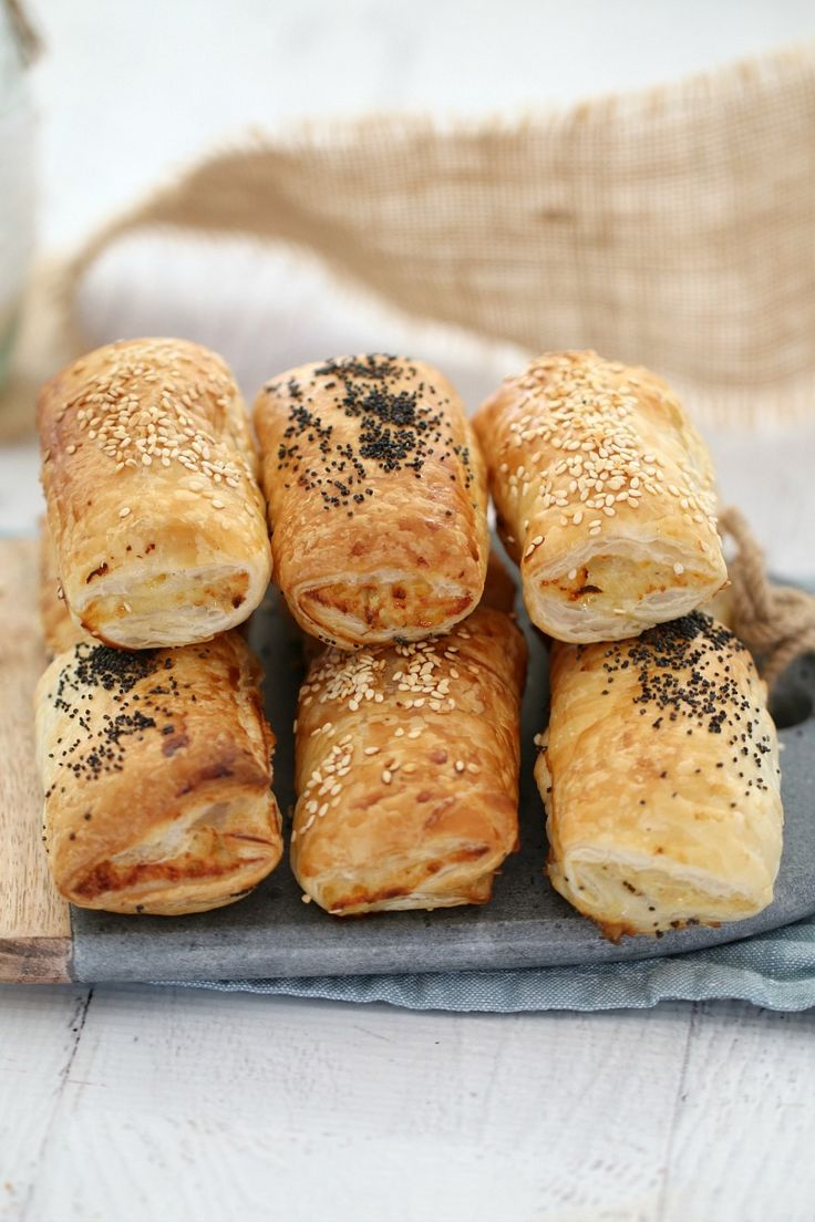 Thermomix Cheesy Chicken & Corn Savoury Rolls - the perfect alternative to sausage rolls (these are completely sausage mince free!!). #chicken #savoury #rolls #puffpastry #easy #cooking #thermomix