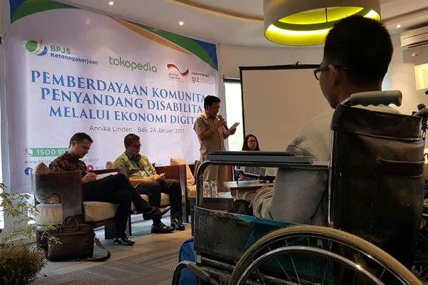 Penyandang disabilitas dapat mengembangkan produk sesuai keterampilan masing-masing |PT Rifan Financindo Berjangka Pusat Badan Penyelenggara Jaminan Sosial (BPJS) Ketenagakerjaan menggandeng Tokopedia dan Deutsche Gesellschaft fur Internationale Zusammenarbeit (GIZ) untuk menyelenggarakan serangkaian kegiatan pelatihan untuk lebih memberdayakan penyandang disabilitas. Kegiatan tersebut merupakan tindak lanjut program GN Lingkaran yang dilaksanakan Desember 2016 lalu, demikian seperti…