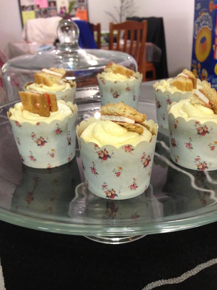 Monte Carlo vanilla buttercream cupcakes