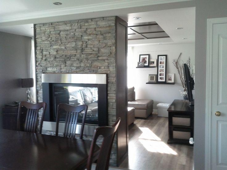 Salon, Design d\'intérieur, ton de gris, foyer, mur de brique ...