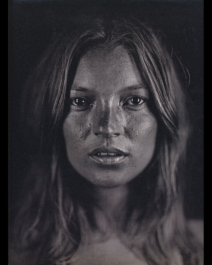 Chuck Close painting- Kate Moss.  INCREDIBLE!